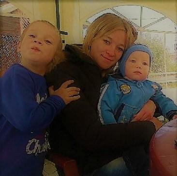 Irena, Alex a Vašíček (R18)